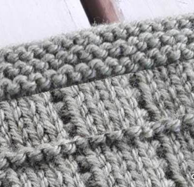 TILE STITCH KNIT SQUARE