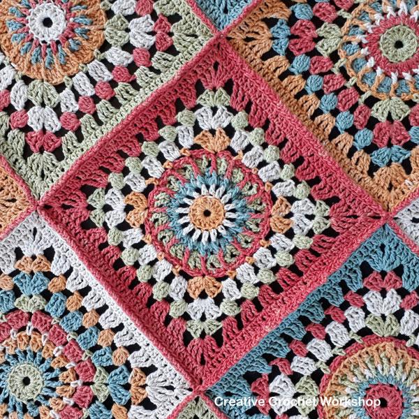 Cosmic Constellation Throw - joining | Creative Crochet Workshop @creativecrochetworkshop #freecrochetpattern #grannysquare #afghansquare #crochetalong #ccwcrochetablock2018