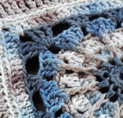 Cordelia Afghan Square | Creative Crochet Workshop @creativecrochetworkshop #freecrochetpattern #grannysquare #afghansquare #crochetalong #ccwcrochetablock2018