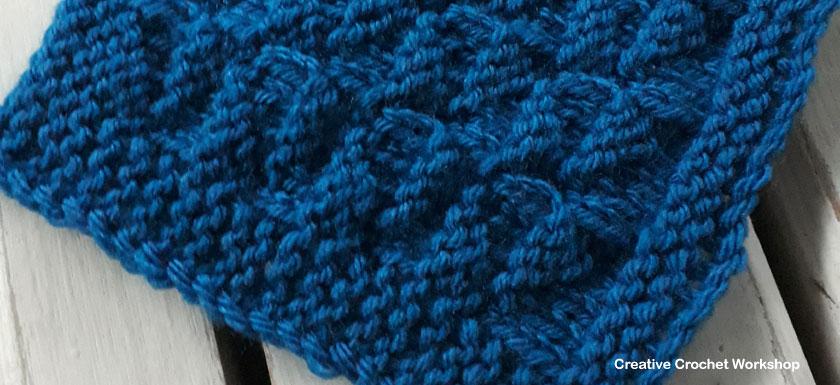 Alternating Triangles Knit Square - Free Knitting Pattern | Creative Crochet Workshop #KALCorner
