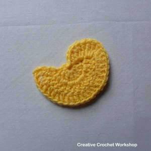 Crochet bird flower applique set   Creative Crochet Workshop #freecrochetpattern #crochet @creativecrochetworkshop