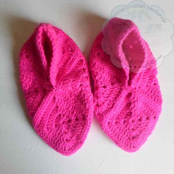Granny Square Bird Slippers - Free Crochet Pattern   Creative Crochet Workshop #freecrochetpattern #crochet @creativecrochetworkshop