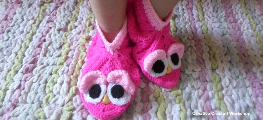 Granny Square Bird Slippers - Free Crochet Pattern | Creative Crochet Workshop #freecrochetpattern #crochet @creativecrochetworkshop