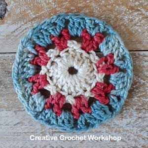 Framed Posted V Flower Square - Free Crochet Pattern | Creative Crochet Workshop @creativecrochetworkshop #freecrochetpattern #grannysquare #afghansquare #crochetalong #ccwcrochetablock2019