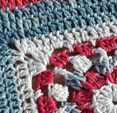 Framed Puff Cluster Wheel Square - Free Crochet Pattern | Creative Crochet Workshop @creativecrochetworkshop #freecrochetpattern #grannysquare #afghansquare #crochetalong #ccwcrochetablock2019