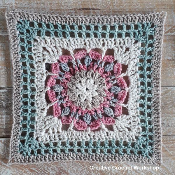 Laverna Afghan Square - Free Crochet Pattern | Creative Crochet Workshop @creativecrochetworkshop #freecrochetpattern #grannysquare #afghansquare #crochetalong #ccwcrochetablock2019