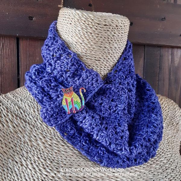 Indigo Crochet Cowl - Free Crochet Pattern | Creative Crochet Workshop #freecrochetpattern #crochet #crochetcowl #crochetaccessory #CIJMakeAlong2020 @creativecrochetworkshop