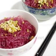 Tallarines de arroz al vino tinto