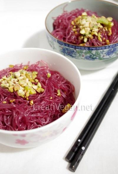Fideos de arroz al vino tinto
