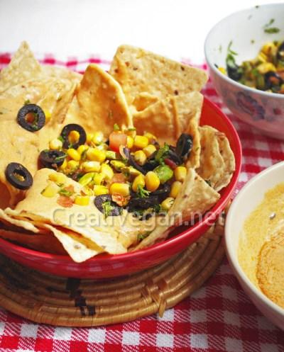 Queso vegano salsa al ajo y cebollino