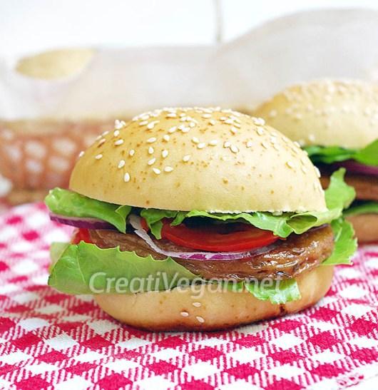 Hamburguesa vegana con panes caseros