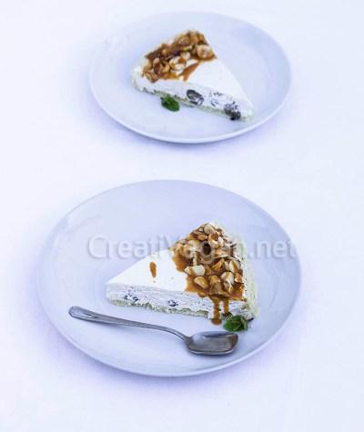 Tarta de queso vegano con arándanos y toffee