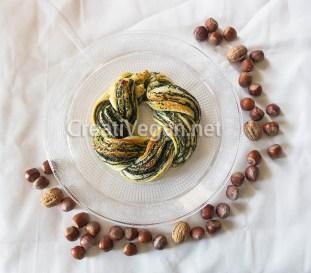 Corona de hojaldre trenzado con crema de espinacas especiadas