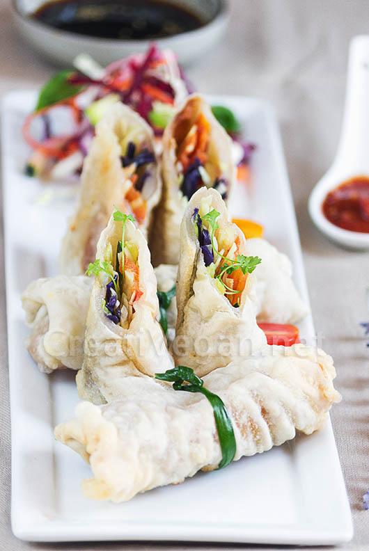 Rollitos hecho con oblea de arroz casera, fritos
