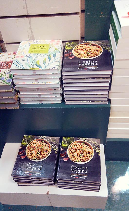 Libro Cocina Vegana en La Casa del Libro de Gran Vía (Madrid)