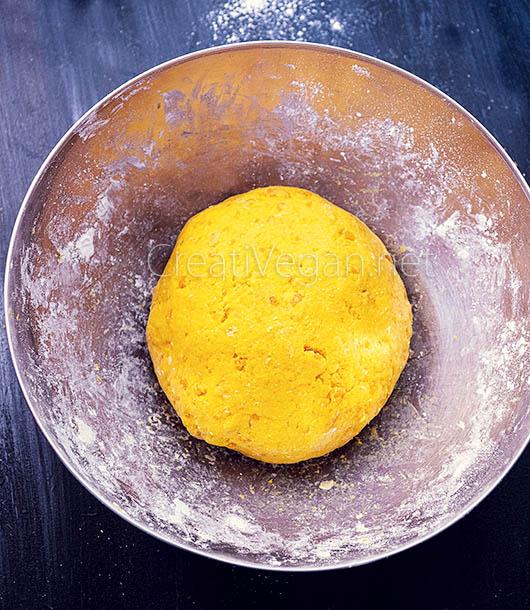 Preparación de gnocchi de calabaza - CreatiVegan.net