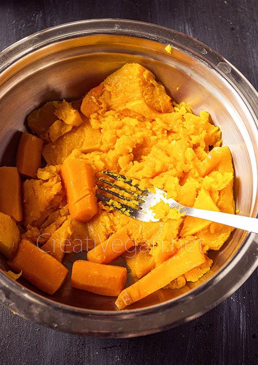 Tarta de calabaza hokkaido - preparación // CreatiVegan.net