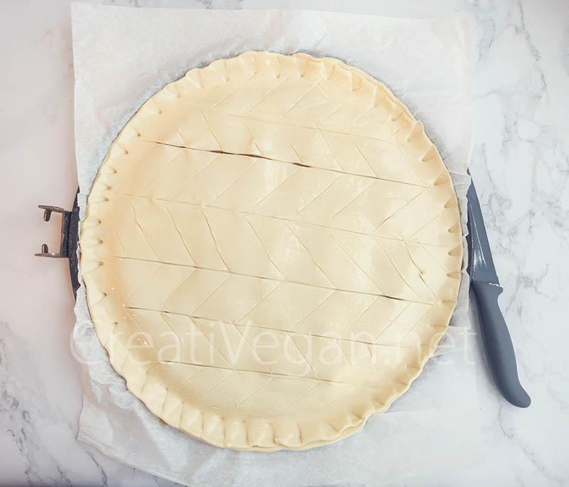 Preparación de galette des rois rellena de turrón - CreatiVegan.net