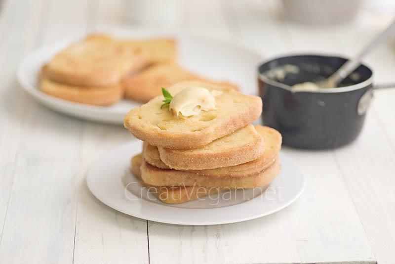 Torrijas veganas sin gluten de crema pastelera
