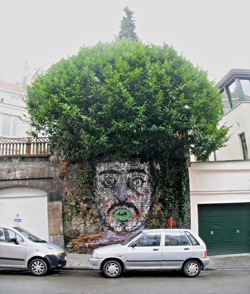 e8b5324b87e72b1e4a5fbb202db2f982 80+ Amazing Guerrilla Street Art Inspiration Examples Guerilla Marketing Example