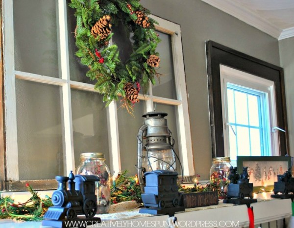 Vintage Holiday Mantel #AVeryVintageHoliday #HolidayDecor #DIY