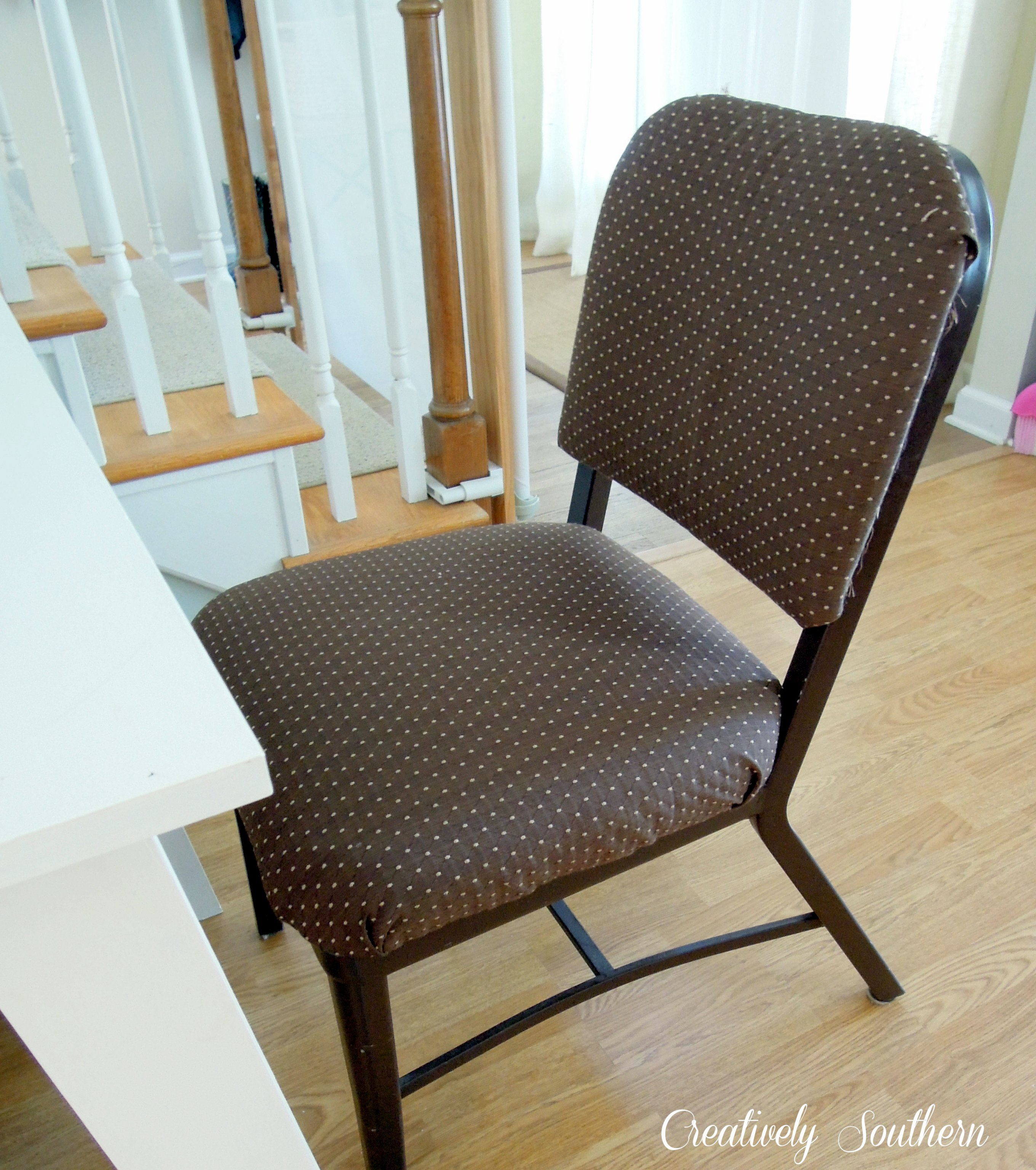 How to Recover a Metal Chair