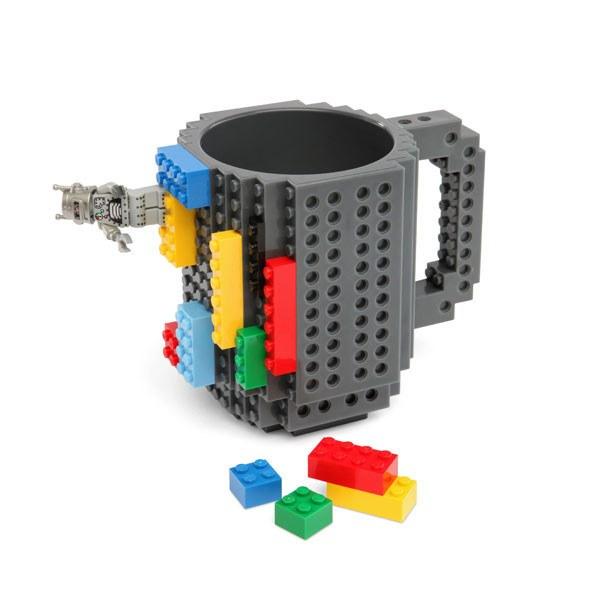 BuildOnBrickMug_001_600x600