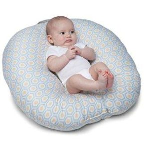 Hand free breastfeeding pillow