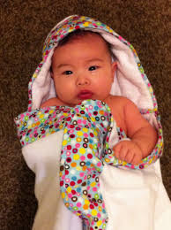 how do you use a baby hooded towel
