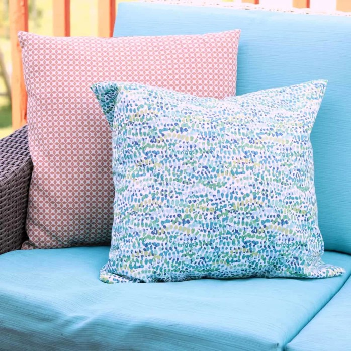 Sew an Outdoor Pillow by Creative Ramblings