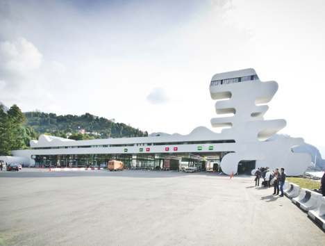 dezeen_Sarpi-Border-Checkpoint-by-J-Mayer-H_JJ_22