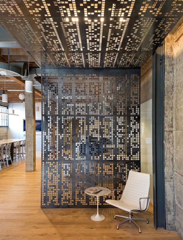 giant pixel office 4