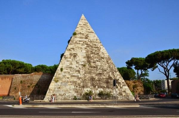 pyramid-of-cestius-16