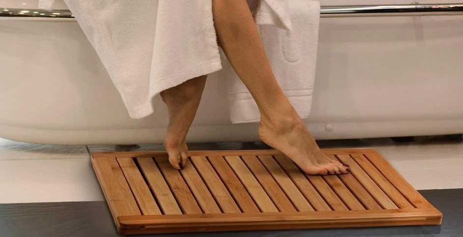 Slatted Design for Bathroom Showers Floors Indoor and Outdoor Use Natural Light Wood Eco-Friendly mDesign 100/% Bamboo Non-Slip Large Rectangular Spa Bath Mat Bathtubs