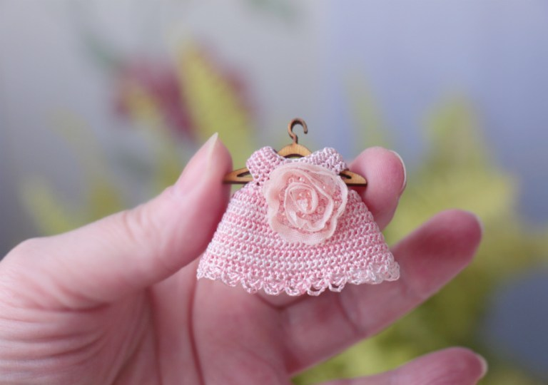 Miniature 2 inches dolls