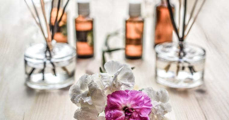 3 Easy Ways to Use Essential Oils