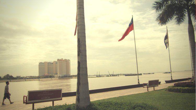 river side phnom penh