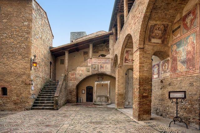San Gimignano uno de los pueblos más bonitos de La Toscana