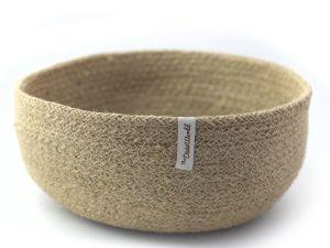 cesto artesanal de yute natural