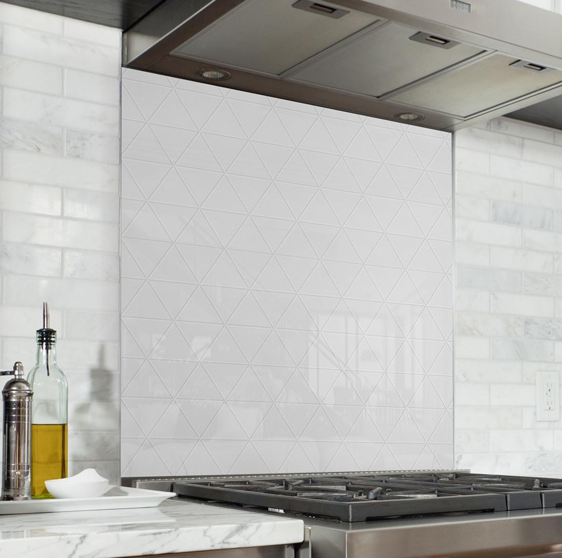 Fond De Hotte Triangle De Carrelage Blanc Verre Alu Decoration