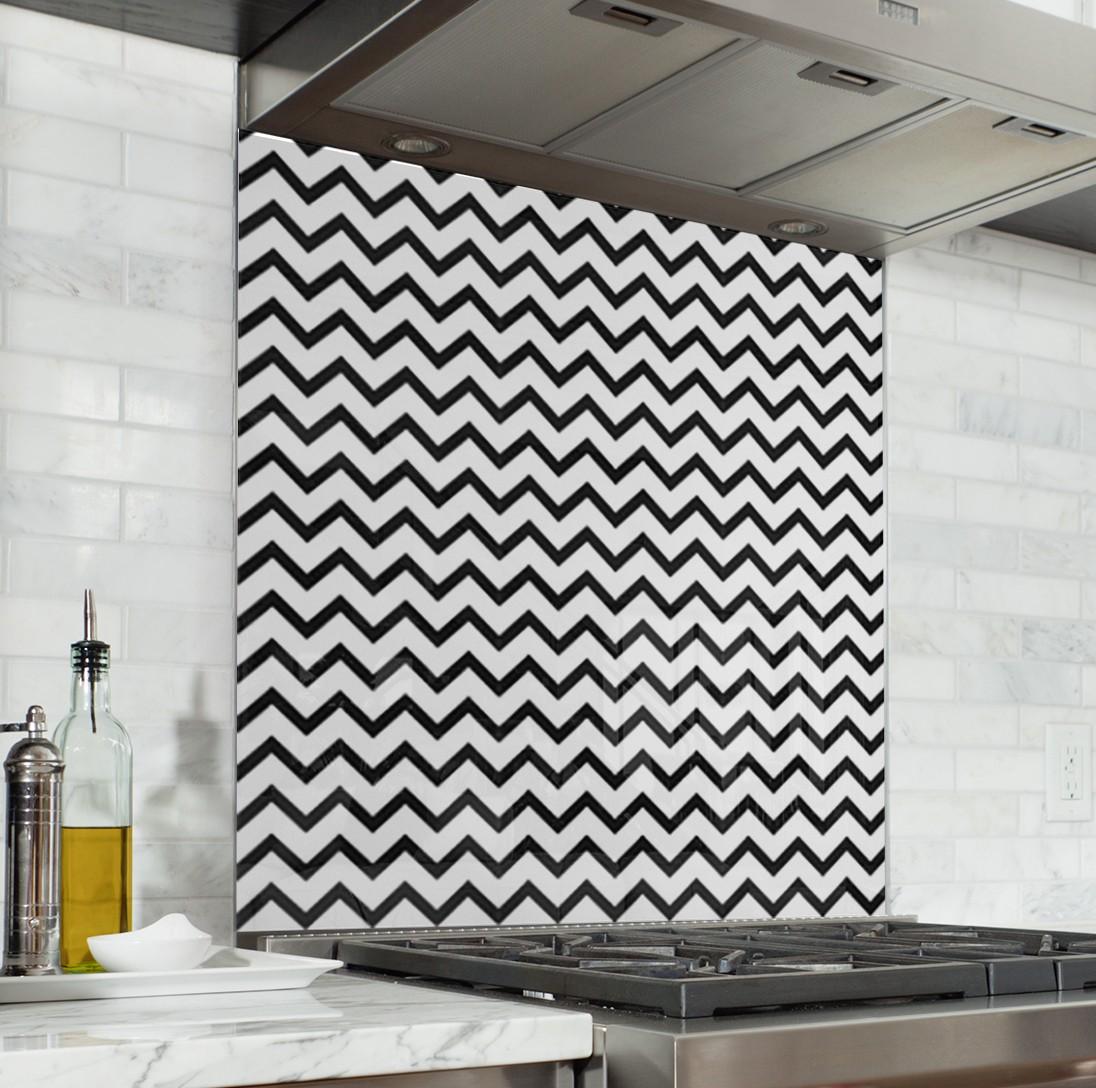 fond de hotte de cuisine motif geometrique zigzag noir
