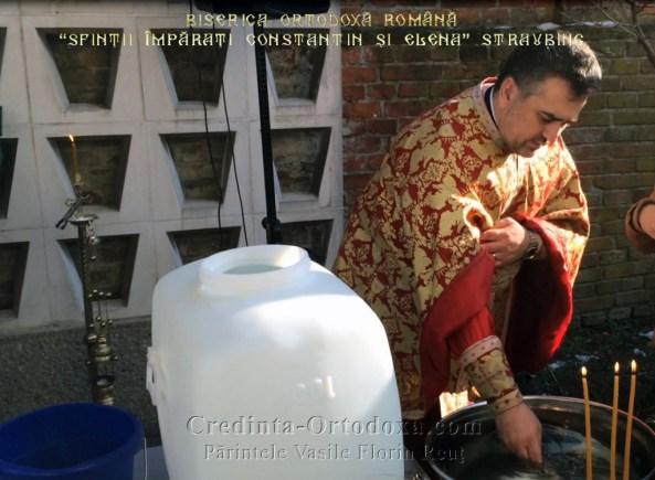 Slujba de Sfinţire a Aghiasmei Mari