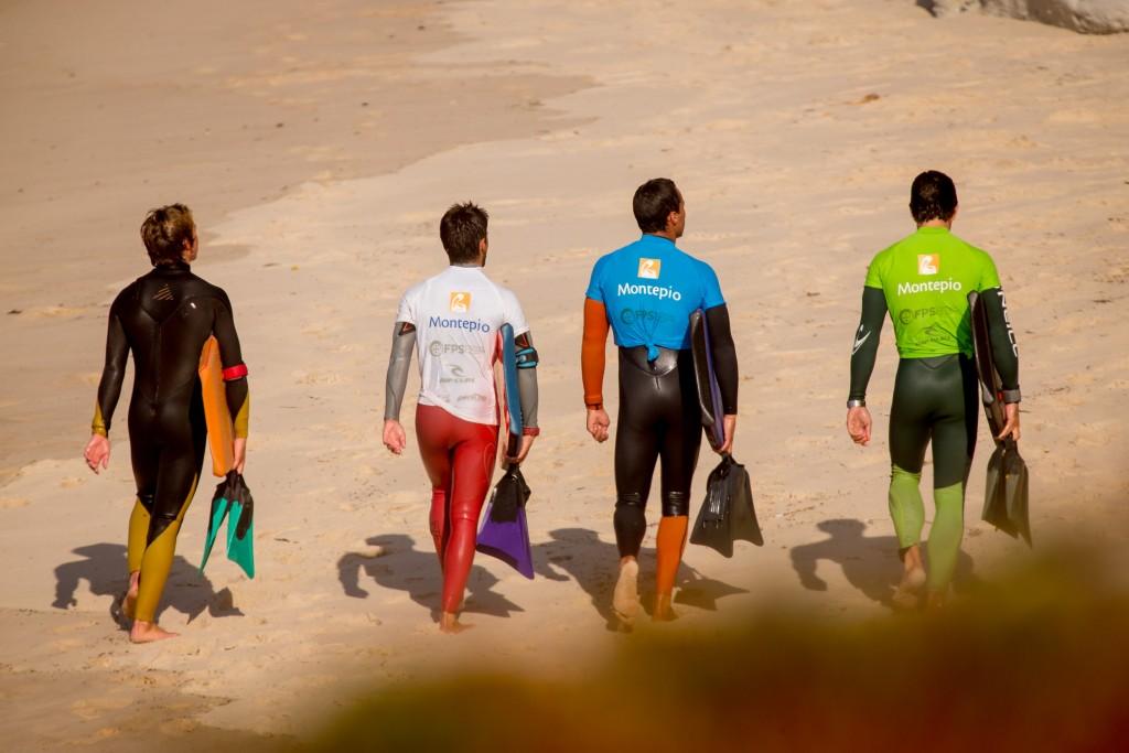 A equipa nacional de bodyboard durante uma tarde de treino em Peniche. Foto: Jorge Amaral / Global Imagens