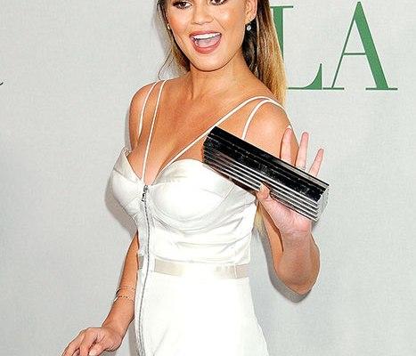 Chrissy Teigen defends Khloe Kardashian following Lamar Odom's Interview