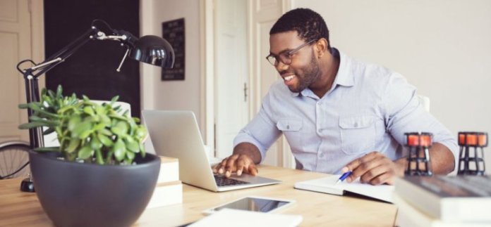 Freelance Work From Home UK: Top 10 Sites That Pays Well In 2018