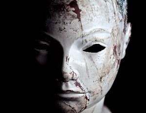 creepy-mannequin-head-strobist