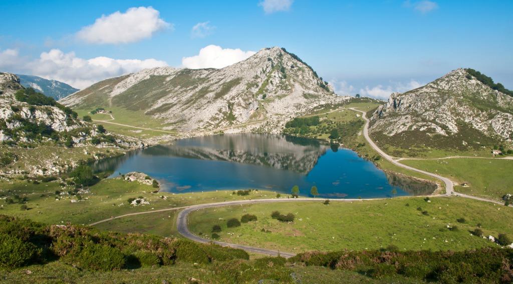 https://www.flickr.com/photos/tadhik/6901536543