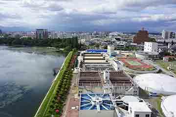 給水活動を終えた豊田浄水場