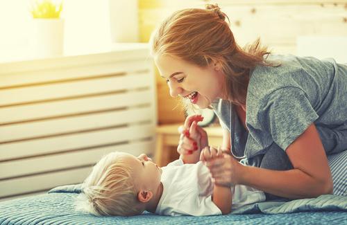 Risultati immagini per madre bambino