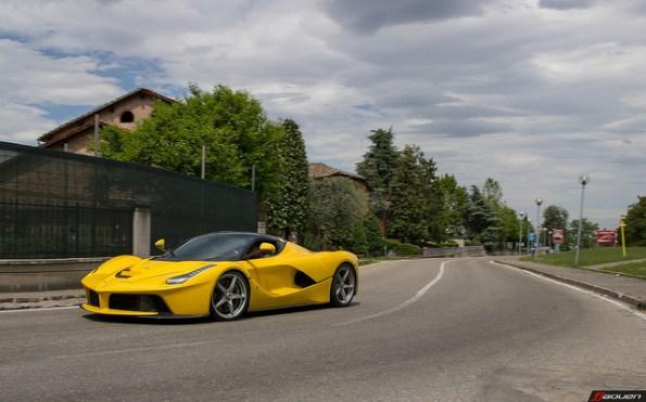 06-Cars That Are Closest To F1-Ferrari-LaFerrari